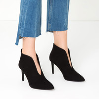 HIGH HEEL ANKLE BOOTS WITH V-CUT UPPER DETAILS
