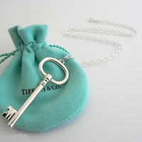 Tiffany Co Silver Extra Large Oval Key Necklace Pendant 18 inch Oval Link Chain