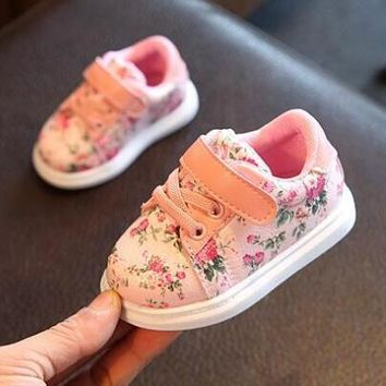 Cute Baby Shoes For Girls Soft Moccasins Shoe  Spring Black Flower Baby Girl Sneakers Toddler Boy Newborn Shoes First Walker