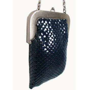Authentic Whiting & Davis Co USA rare 2816 Royal Navy Blue Mesh handbag medieval chainmail Unique kisslock silver metal retro hipster purse