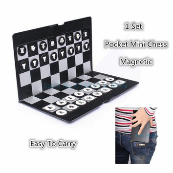 Pocket Mini Chess Set Board Magnetic Portable Checkers Set Traveler Plane Easy To Carry Family Game L347