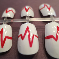 Heartbeat Fake Nails