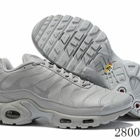 Hcxx 19July 1159 Nike Air Max Plus Sports Flyknit Running Shoes Light  Grey