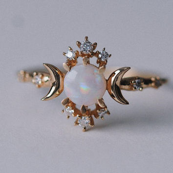 Wandering Star Ring (Opal)