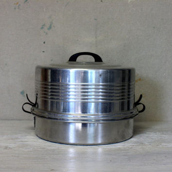 vintage cake and pie carrier // cupake saver // aluminum cake keeper // regal