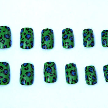 Custom Designed Acrylic Nail Set by GillyHeartsNails on Etsy