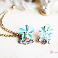 Gem and Rhinestone Flower Stud Set Chain Cartilage Earring / Cartilage Piercing