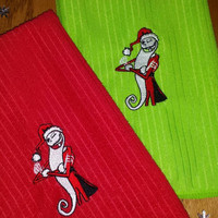 NiGHTMARE BEFoRE CHRiSTMaS JacK SkeLLingtoN SANDY CLaWS ToWeL SeT! Delicious GorGeouS Red and GREEN Fabulous Christmas Gift & Decor Idea!
