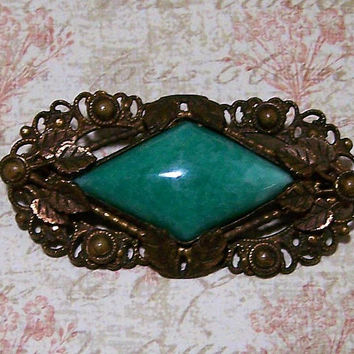 Art Deco Green Peking Glass Pin, Art Nouveau Brooch, Antiqued Gold tone Leaf Setting, Vintage Jewelry 917
