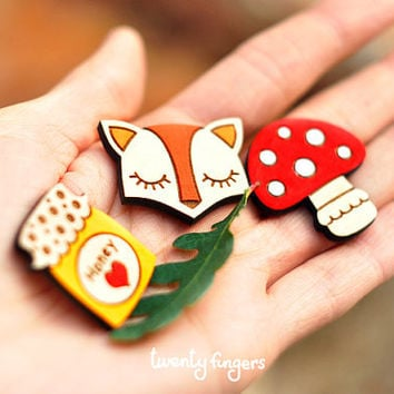 Lovely wooden brooch set of 3 pieces  laser by TheTwentyFingers