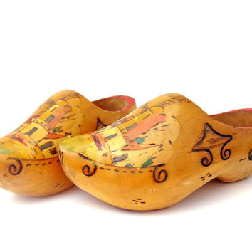 Vintage 1940s Wooden Shoes Dutch Clogs Hand by mysweetiepiepie