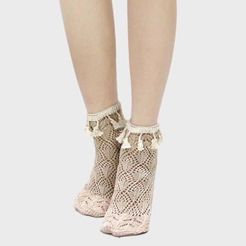 Lace Scalloped Tassel Ankle Socks - Natural