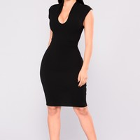 Drop Of A Dime Midi Dress - Black