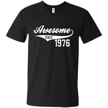 40th Birthday Gift Awesome 1976 Funny 40 year old T-Shirt