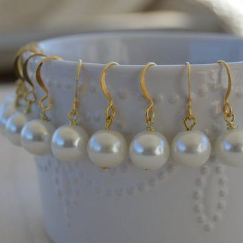 SImple White Pearl Earrings, 10mm Pearl Beads, Gold or Silver, Wedding Jewelry, Bridesmaid Dangle, Minimalistic, Round Beads, Bridal