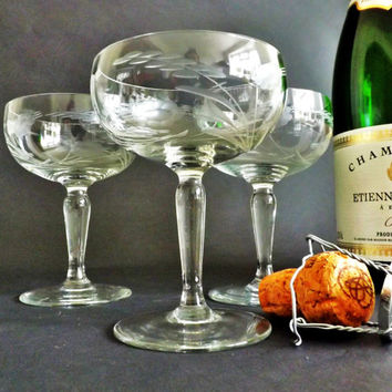 3 Crystal Champagne Glasses, Etched Coupe Glasses, Wedding Toast, Vintage Stemware, Cocktail Glassware, Sparkling Wine, Prosecco Glass, Cava