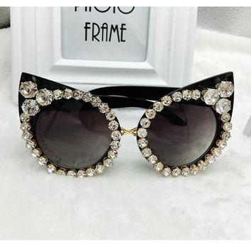 2017 Women Luxury Sunglasses Brand Designer  Luxury Rhinestone Sexy Cat Eyes Sunglasses Vintage Shades Eyewear gafas de sol