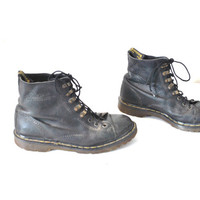 size 9 mens boots vintage DOC MARTENS unisex black leather 80s 90s GRUNGE military lace up dr marten boots