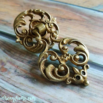 Gold Teardrop Pull Baroque Dresser Pulls Vintage Drawer Pulls Filigree Cabinet Pulls KBC Decorative Brass Drawer Pull Gold Dresser Hardware