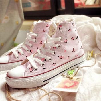 hand painted shoes converse pink background little leopard leopard print