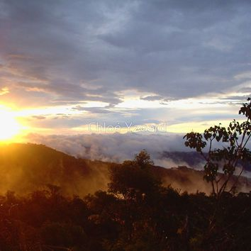 'Sunset over the jungle and mountains in Costa Rica' by Chloé Yzoard