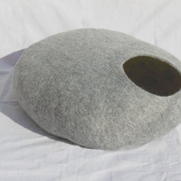 M - Handmade felt cat bed / cat cave/ cat house / cat basket / Nuno elted merino wool with CATNIP - Grey stone - Gift ball
