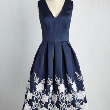 Here Comes the Stride Dress in Midnight | Mod Retro Vintage Dresses | ModCloth.com