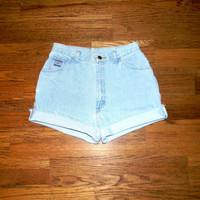 Vintage Denim Cut Offs - High Waisted 90s Light Wash Blue Jean Shorts - Cut Off/Frayed/Distressed/Rolled Up WRANGLER Shorts Size 9/10
