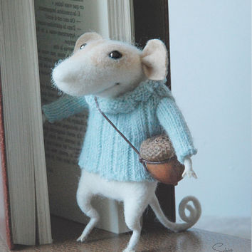 Needle mouse, felted mouse, cute mouse, wool mouse, miniature, needle sculpture, felted ornament, tender mouse