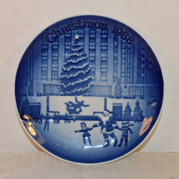 "1988 Bing & Grondahl Christmas in America 'Rockefeller Center' Collectible Plate Vintage 5"" Made in Denmark Blue and White China Plate"