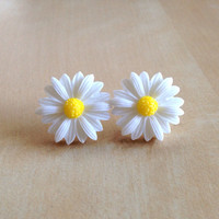 White Daisy Earrings - Silver Plated Stud Posts, 22mm Resin Roses, Lemon Yellow Center, Daisies, Flowers, Spring, Bright, Bridesmaid Jewelry