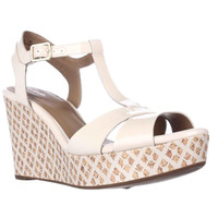 Clarks Amelia Roma Wedge T-Strap Sandals - Nude Pink
