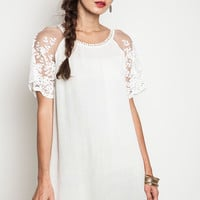 Woven Shift Dress With Lace Sleeve Detail - Cream