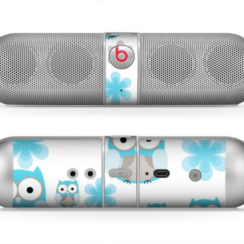 The Subtle Blue Cartoon Owls Skin for the Beats by Dre Pill Bluetooth Speaker