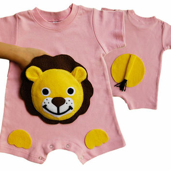 Lion Romper, lion Onesuit, baby lion, baby girl clothes, baby gift, baby girl Onesuit