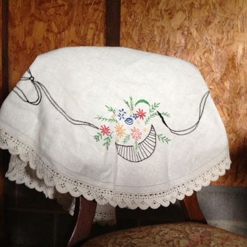Vintage fancy work hand embroidery floral baskets crochet edging on linen