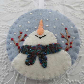 Felt Snowman Ornament Christmas Decoration Primitive Snowman Penny Rug Catching Snowflakes