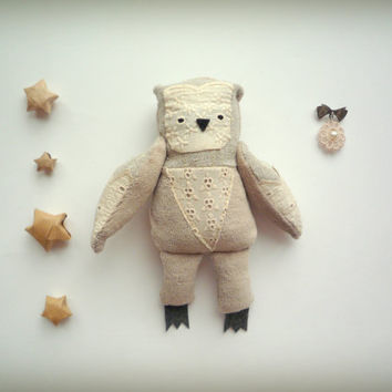 Stephanie  -   Little  Owl with the removable broosh   by Wassupbrothers