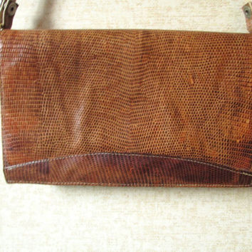 Envelope Clutch Organizer shoulder bag with detachable strap golden brown snakeskin reptile leather purse vintage 70s high fashion hipster