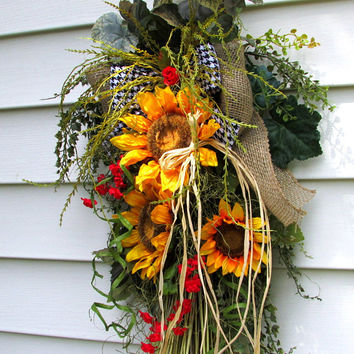 Summer door wreath, door swag, Rustic wreath, sunflower wreath, everyday wreath, spring summer fall, country wreath, farmhouse wreath