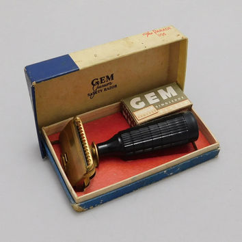 Early 1900's Vintage GEM Junior Safety Razor with Plastic Handle, Original Case and Razors