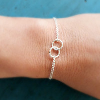 Eternity Circle Bracelet Gold or Silver Circle Linked Bracelet Friendship Bracelet Mother of the Bride Gift Bridesmaid Jewelry Sister gift