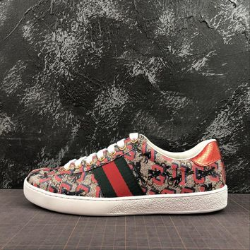 Gucci Women's Sneaker With Letter And Graffiti - Best Online Sale