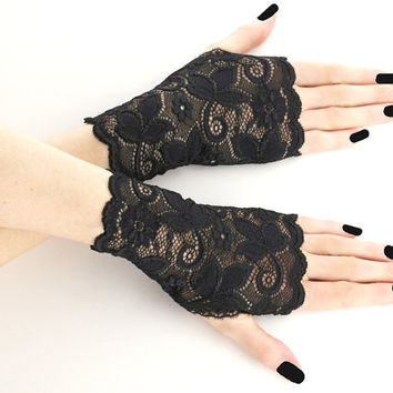 Lace black short fingerless gloves, bridal wedding wrist warmers burlesque goth vintage womens evening gloves, black lace glove  0185IS