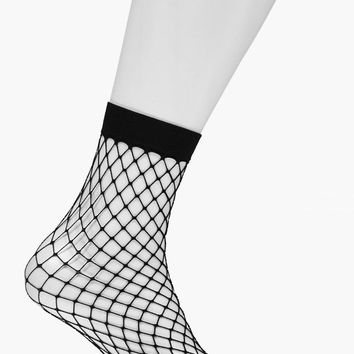 Megan Diamond Fishnet Ankle Socks