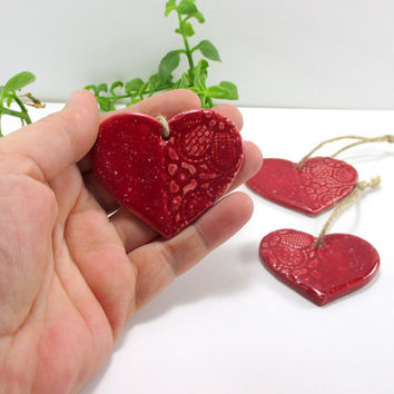 Ornament set of 3/Ceramic ornament/Ceramic christmas decoration/Christmas gift/Christmas tree ornament/Handmade ornament/Heart ornament/Red