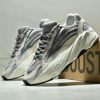 Adidas Yeezy Boost 700 V2 Trend Retro Sports Running Shoes