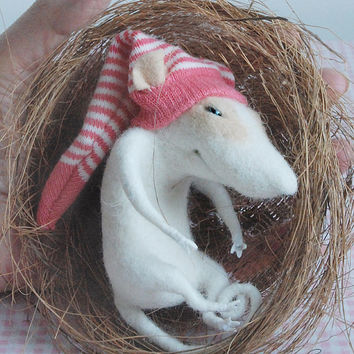 Cute mouse, sleeping in a bird nest, felt miniature, soft figurine, plush, tender mouse