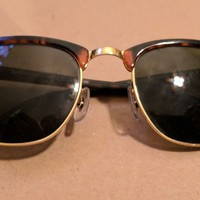 Ray-Ban Clubmaster Classic RB3016 49mm Tortoise Frame Black Lens