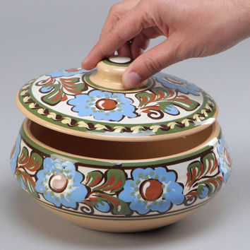 Handmade painted clay pot with lid for baking 1.5 l ceramic tureen kitchenware